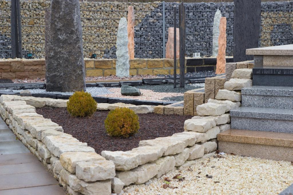 Natursteine & Mehr. Der Mustergarten des Natursteinwerks Gebr Gräper aus Minden